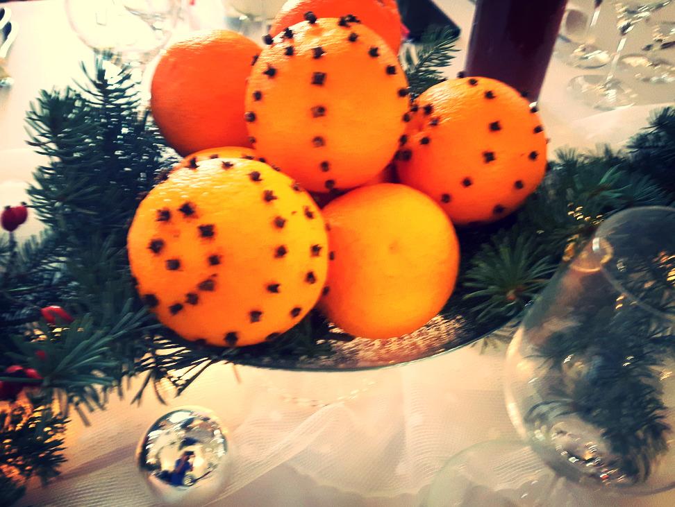 wigilia pomarańcze z gożdzikami